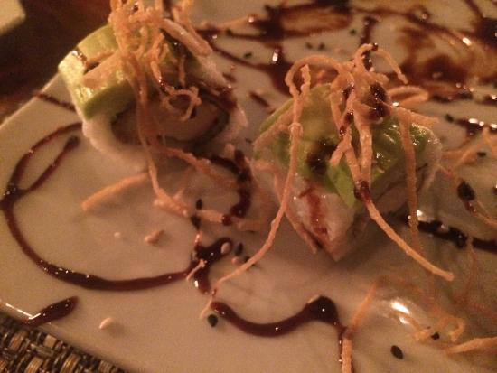 Ambia: Bland dragon roll