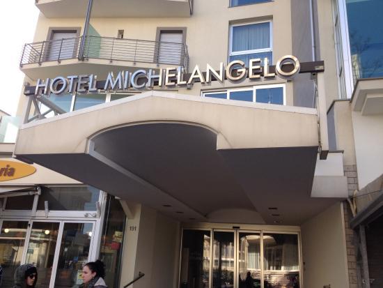 Hotel Michelangelo: L'ingresso