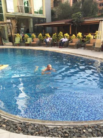 Monarch Hotel : verfrissend