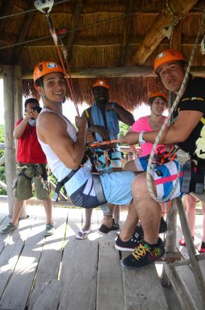 Discovery Jungle Park: Guia Oscar, Profesional.