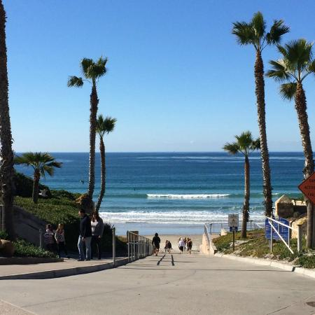 Solana Beach, CA: Walk down to the beach area