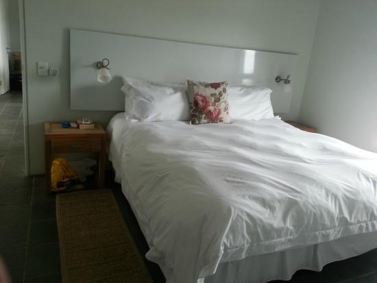 Dash Luxury Apartments: Main Bedroom