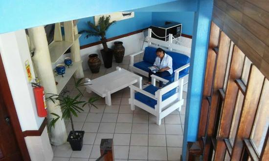 Hotel Porto das Ancoras: Sala de TV ao lado da recepção Prédio principal