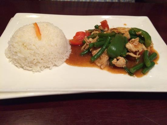 Thai Erawan: Prig khing chicken