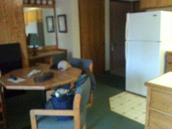 Bend Riverside Inn & Suites : Room 323 - entrance