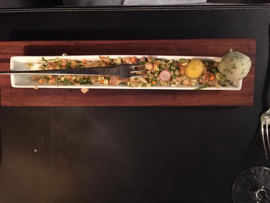 Au Petit Mareyeur: Entrée froide saumon, rouget en marinade instantanée coriandre,citron vert, céleri  rémoulade, r