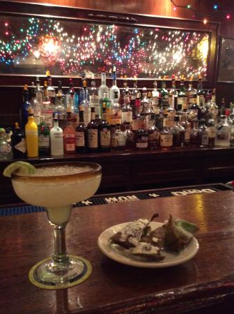 Cheryl's By the Bay : My Margarita and bar area