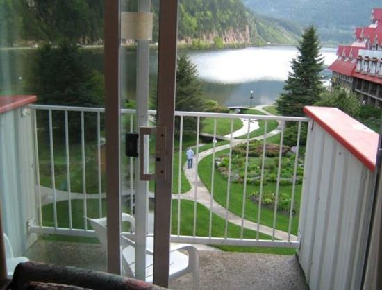 Three Valley Lake Chateau & Ghost Town: The view from our loft room
