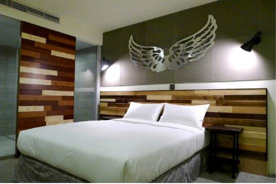 Nice rooms poor air circulation review of xinshe hotel for Air circulation in a room