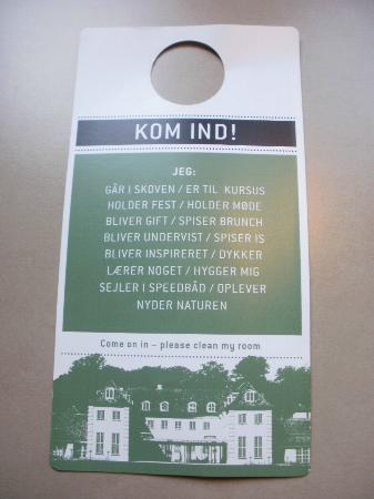 Rungstedgaard: Funny door sign