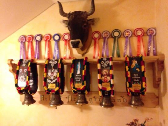 Hotel Alfaier - Bergheimat: Tipiche campane tirolesi