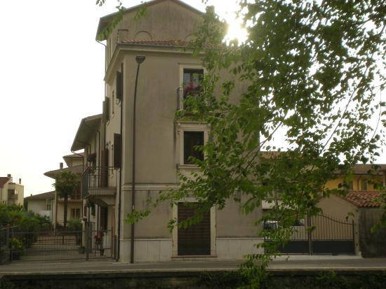 B b la finestra sul castello soave italien omd men - B b la finestra sul castello termoli ...