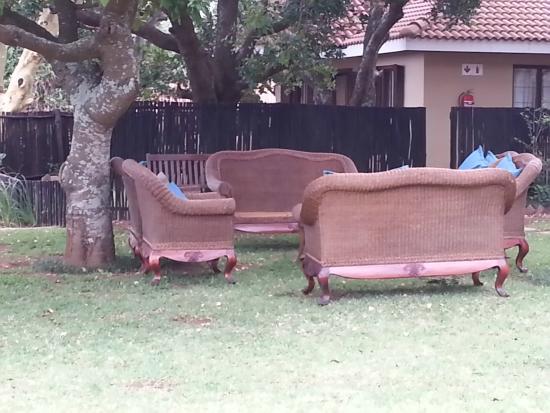 Meander Manor: garden seating
