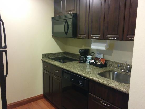 Homewood Suites Sudbury Ontario: What a nice kitchen