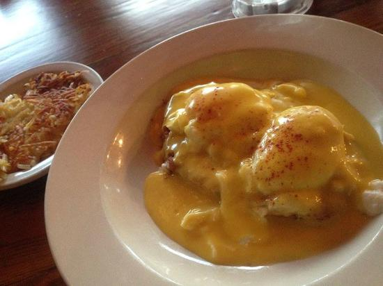 Miller's Seawall Grill: Crab Cakes Benedict