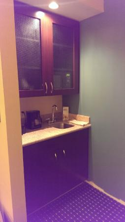 SpringHill Suites Omaha East/Council Bluffs, IA: Bar - mini kitchen area