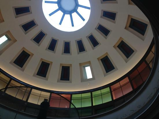 Rotunda Museum: Looking up at domed roof on top floor