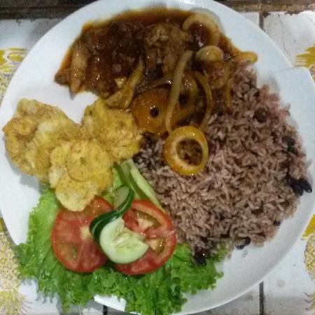 Restaurant Tipico Cahuita: Fish in Caribbean Sauce