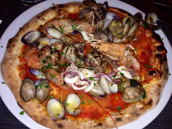 Ristorante Spaccanapoli : Pizza ai frutti di mare!