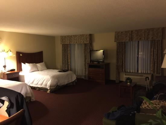 Hampton Inn & Suites Alexandria Old Town Area South: Very spacious!