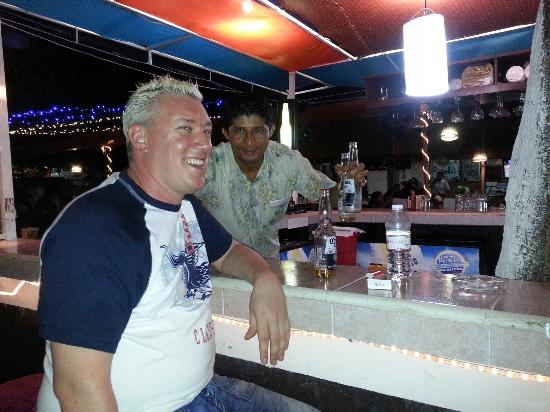 The Bartender Victor Become A True Friend Picture Of El Crustaceo