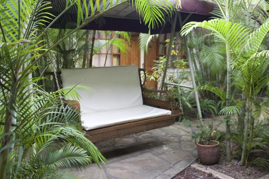 Hostel Oasis: Hanging Couch ;-)