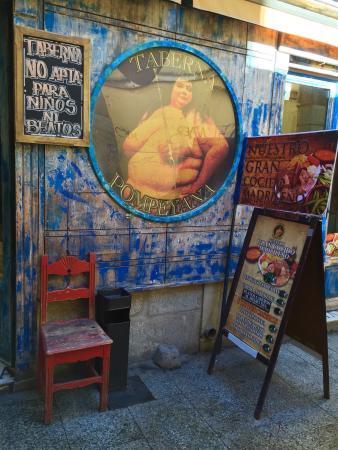 Taberna Pompeyana: Desde fuera