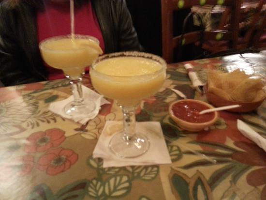 Los Galanes : $6.50 margaritas (mango)