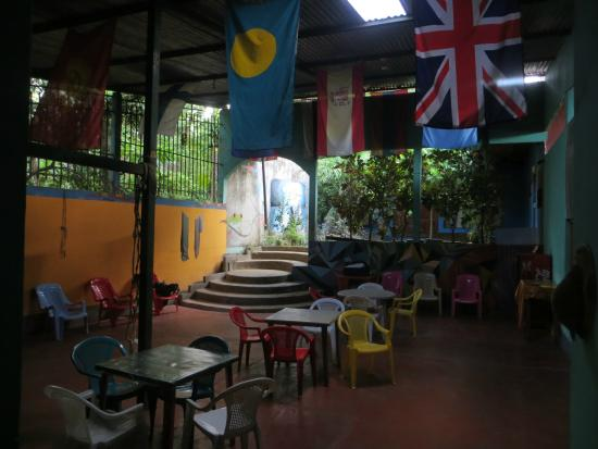 Yogi's Hostel: Common area