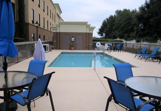Hampton Inn & Suites Lady Lake/The Villages: The pool area