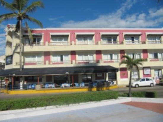 Hotel la Siesta: Exterior View