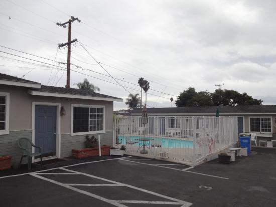 Shell Beach Inn: Motel Compound