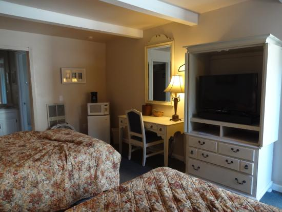 Shell Beach Inn: Room