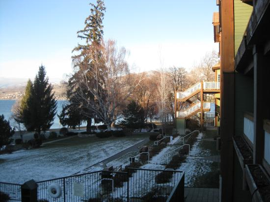 Lakeside Lodge and Suites : Winter views from our room