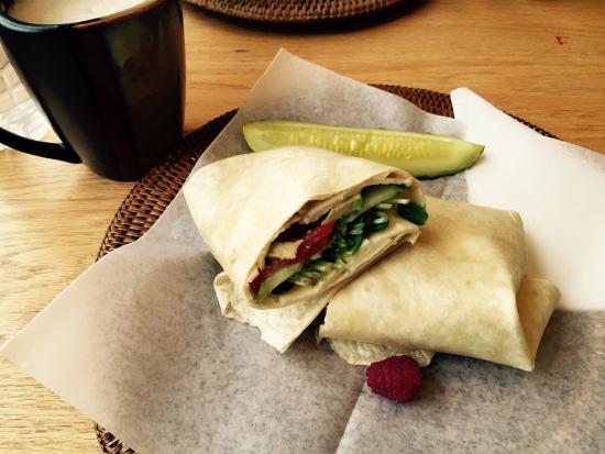 Garden Cafe & Gallery: Pammy wrap, vegetarian