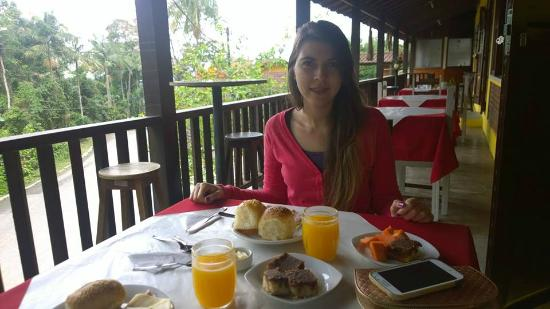 Pousada Shangrilla: Área externa do café da manhã