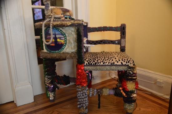 Harlem Renaissance House B&B : quirky furniture!  love it