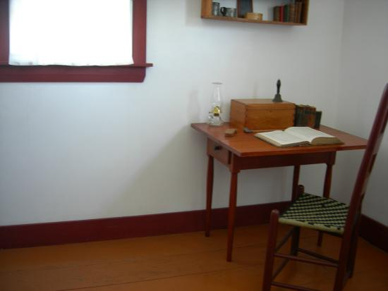 Sabbathday Lake Shaker Village: Boys room upstairs w simple desk