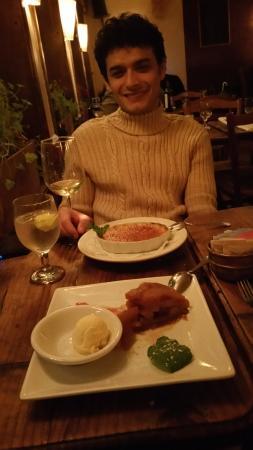 Chez Jacqueline: The Wonderful Creme Brulee and Apple Tart