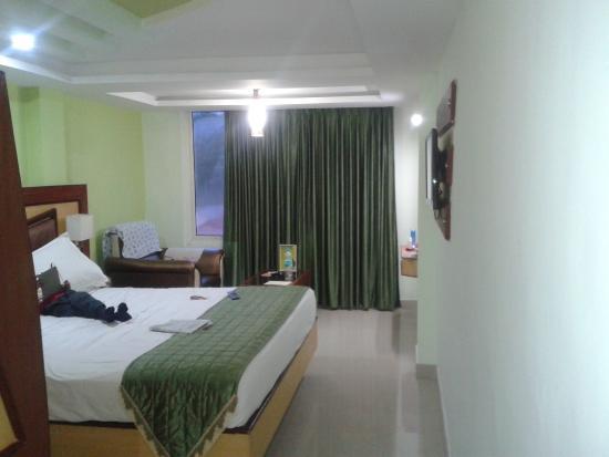 Ponmari Residencyy: Towards window