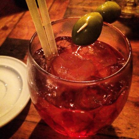La Pecora Nera: Best Negroni ever! If you are at Puerto Viejo you will neeeeed to go! Vale muito! Tem que ir, me