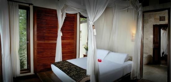 Villa Awang Awang: bed