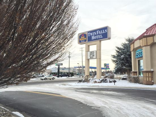 BEST WESTERN PLUS Twin Falls Hotel: Outside signage.