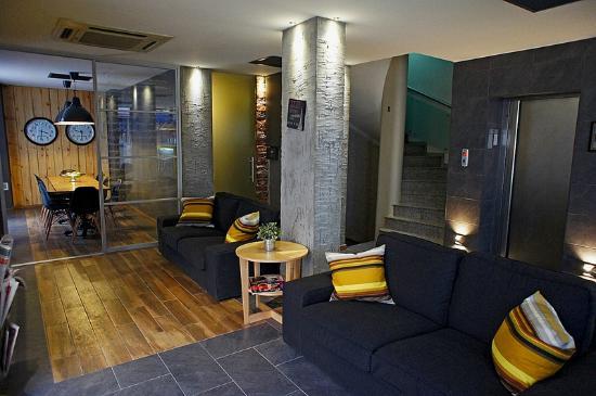 my dora hotel lobby