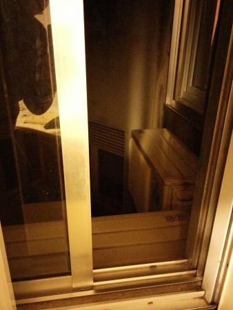 Vera Cruz Porto Hotel: i ventilatori costantemente accesi posti proprio sotto alla nostra finestra: difficile dormire b