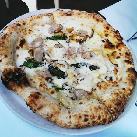 Lucio Pizzeria: Pizza