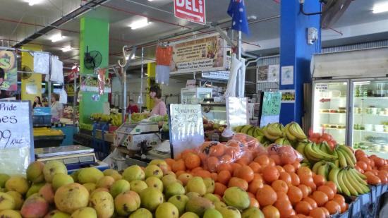 Rusty's Market: Fresh fruit and lots of choice