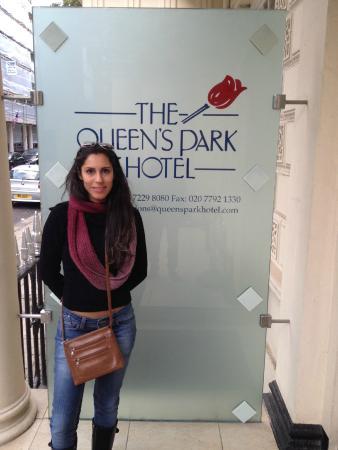 Queens Park Hotel: Ótima Localização