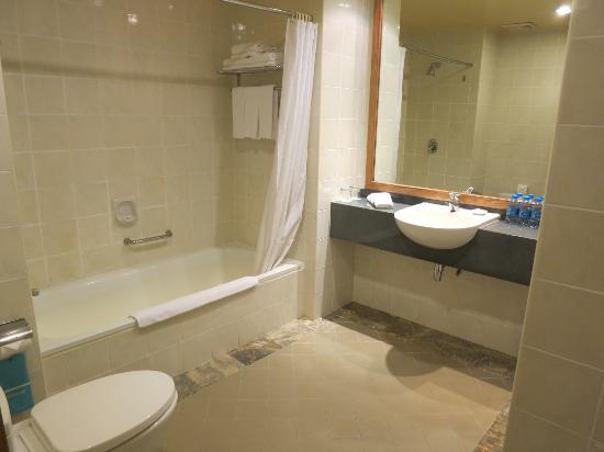 Ocean Dunes Resort: Bathroom