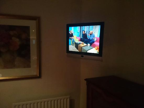 The Royal Hotel and Merrill Leisure Club: TV outdated. Wide screen TV for a digital age. Upgrade essential.